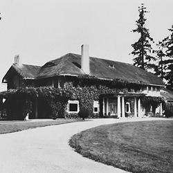 The Grand Old Lady of Lakewood; TCGC's second clubhouse. Built in 1910, destroyed by fire in 1961.